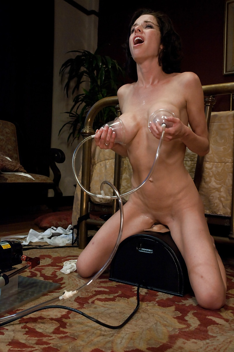 Squirting on the sybian