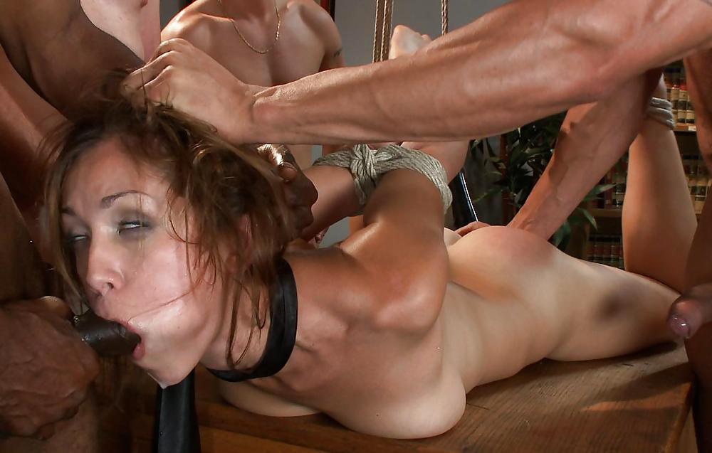 Порно надругательство онл, короткие порно ролики где двое ебут одну
