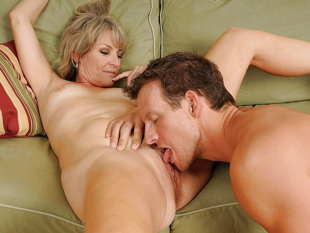Housewife lick pussy, friends mom porn video