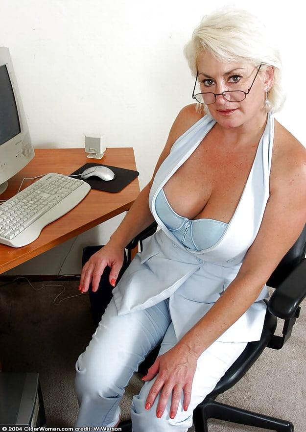 Sexy mature big tits-9433