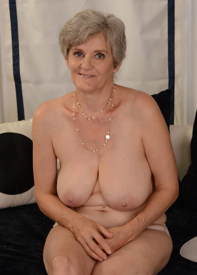 photos-of-older-nude-actresses