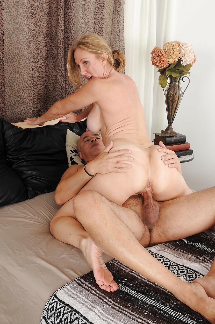 Mature Housewife Hard