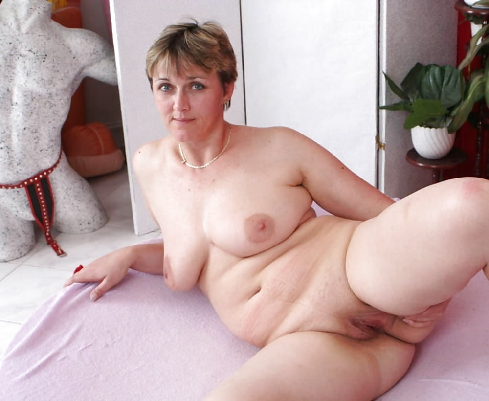 Mature nude people-3382