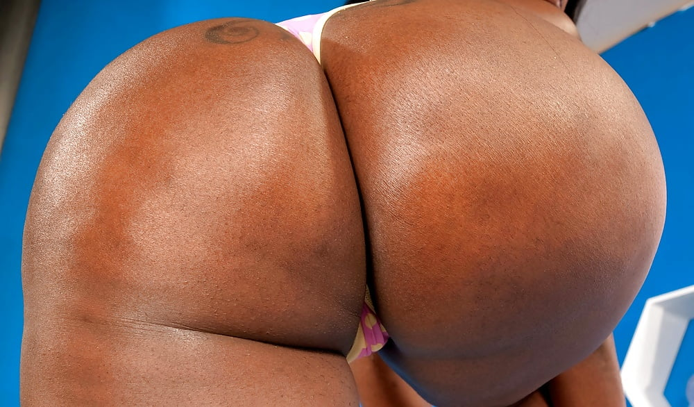 Licking big black booty-1531
