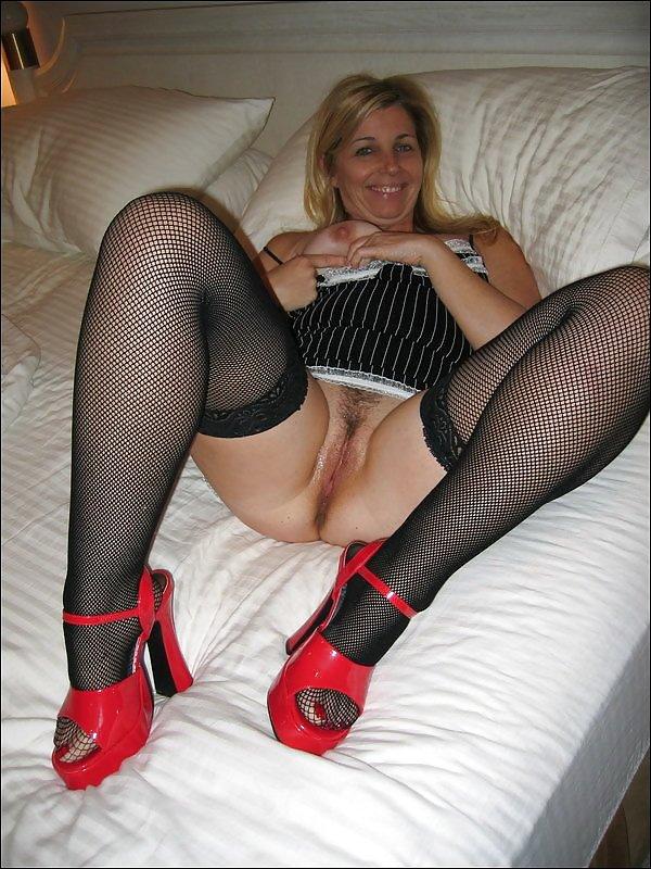 blond-amateur-stockings-sex