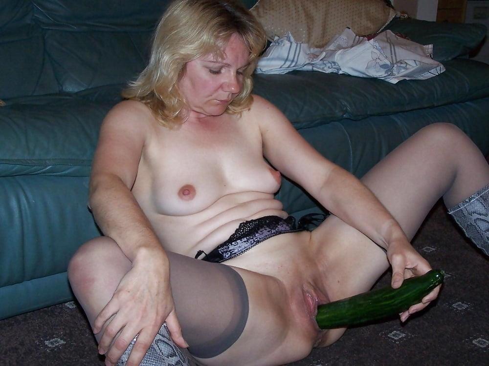 может быть старая пизда мастурбирует частное домашнее видео ней