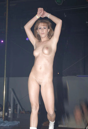 real amateur night at strip club nude pics