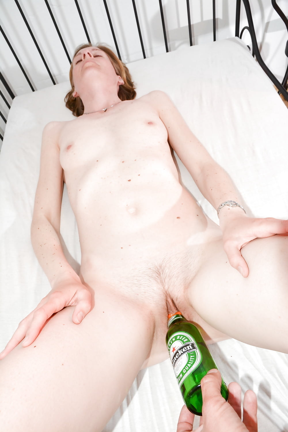 Teen riding bottle in pussy — pic 15