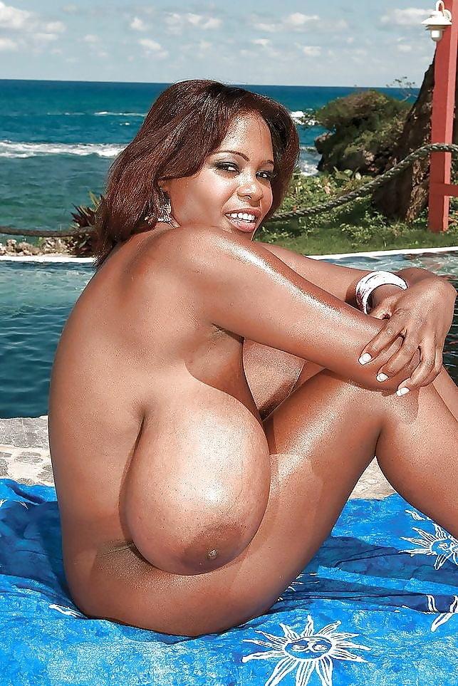 толстые мулатки с огромными дойками - 2