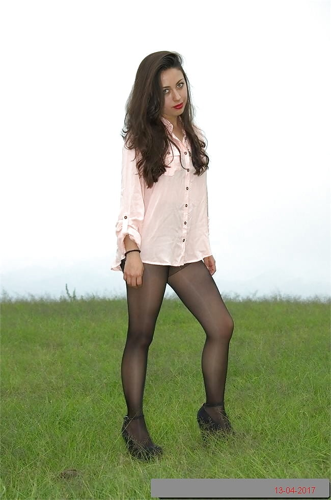 Pantyhoseimages outdoor