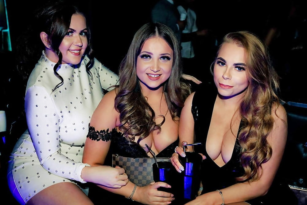party-girls-bare-all