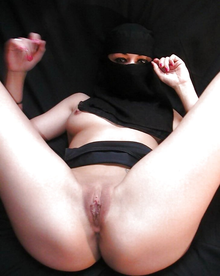Saudi girl hot pussy, sex with sleeping mother
