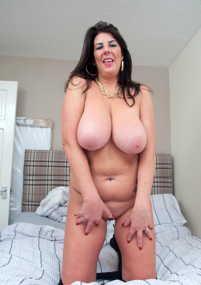 Mature Big Natural Tits Bbc