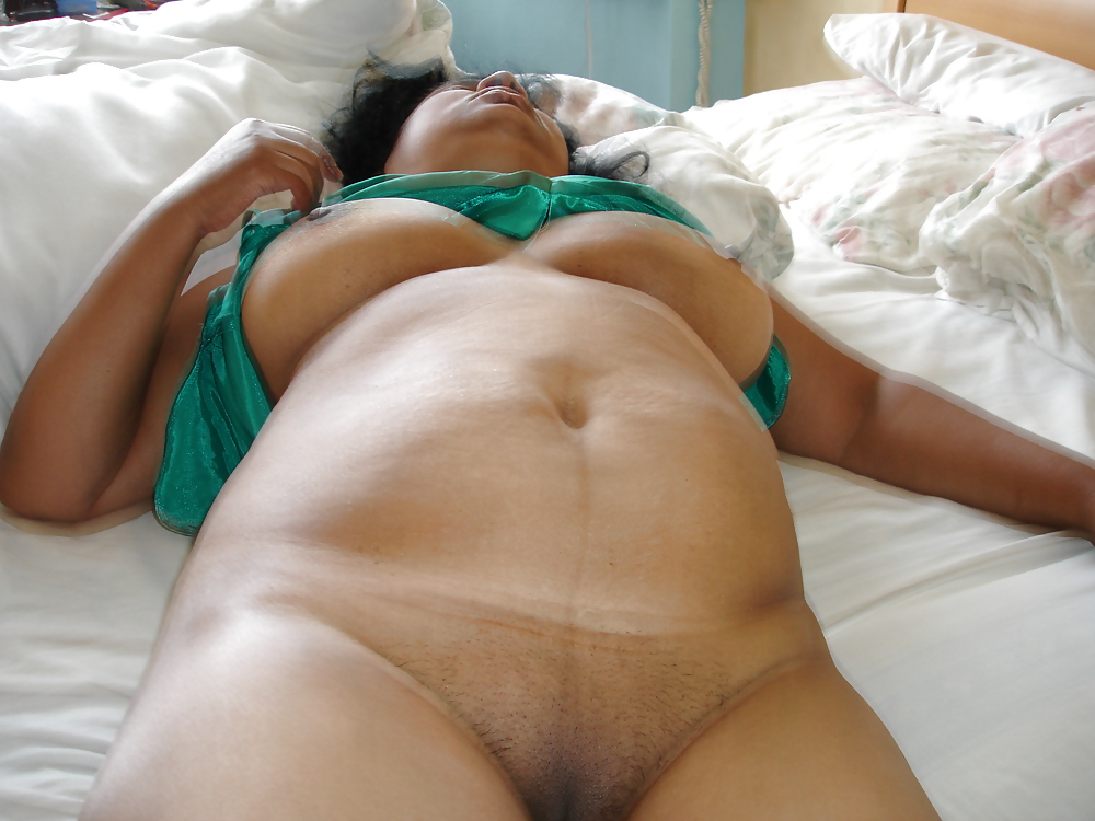 Nude sleeping latinas images — pic 11