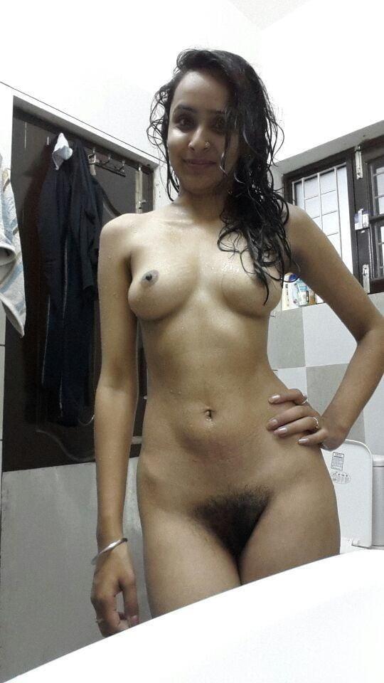 Delhi College Girl Showing Nude Body And Make Fun