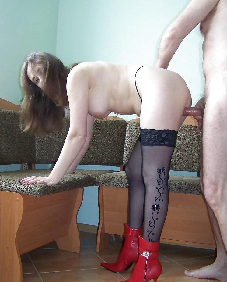 Частное порно фото жену стоя 8