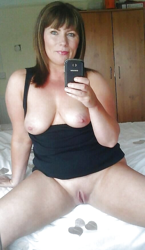 amatuer-mom-naked-self-shot-pictures