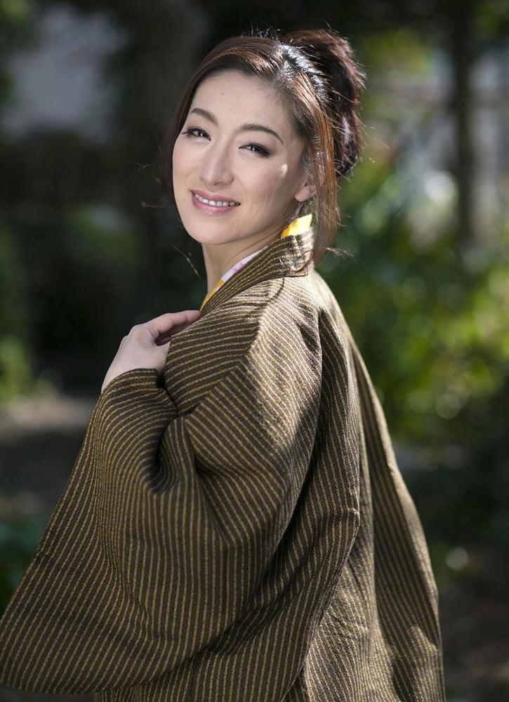 Hot Japanese Milf Marina Matsumoto Strips off Her Kimono - 143 Pics