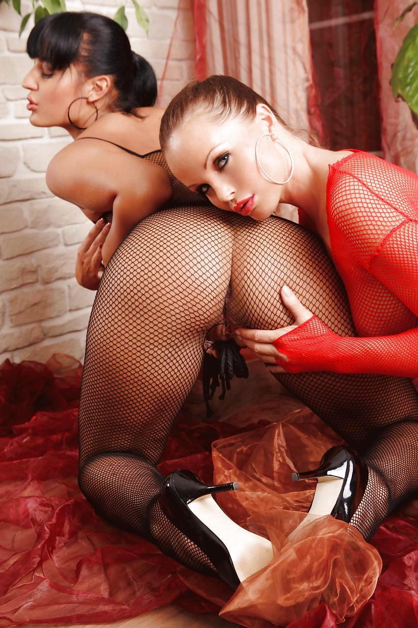 Синтия саинт в порно, популярные порно актрисы видео