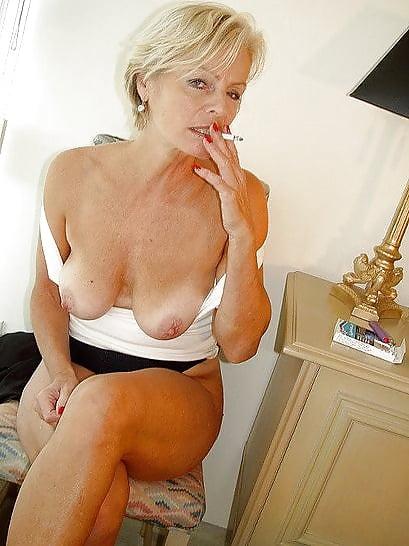 mature-women-smoking-galleries-women