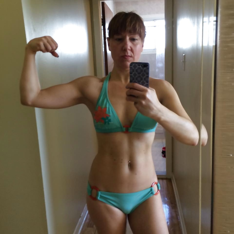 19yo sophie flexes her strong pussy muscles - 5 5