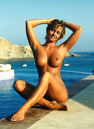 Melanie Heil  nackt