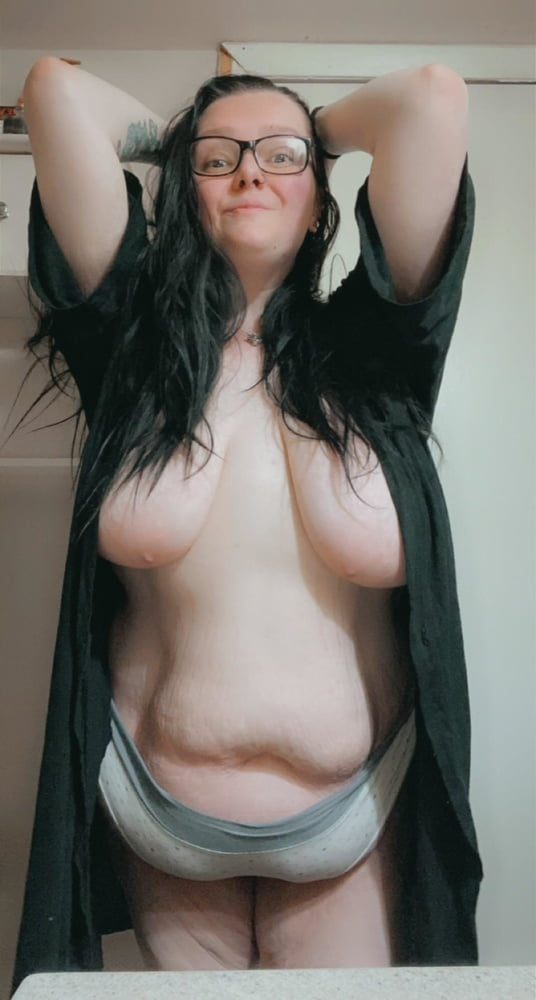 Big Saggy Girls - 86 Pics