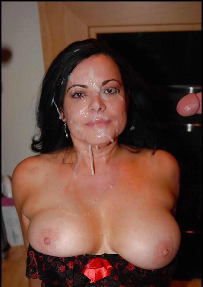 mom-cum-facial