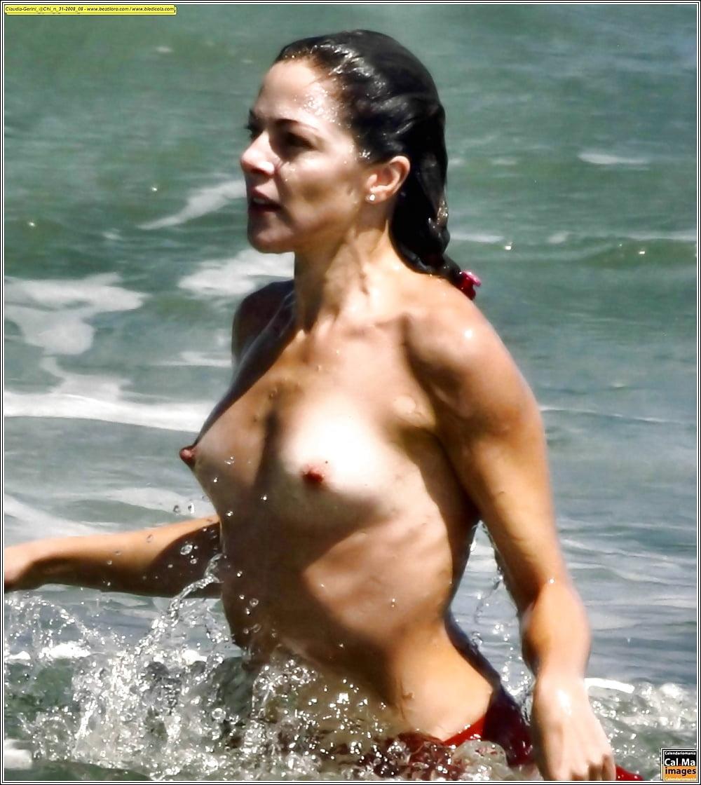 girl-nude-claudia-cruz-nude