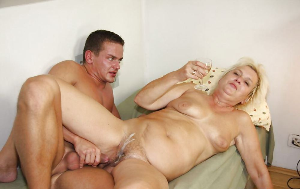 Mom And Son In Law Fuck In The Chicken Hd