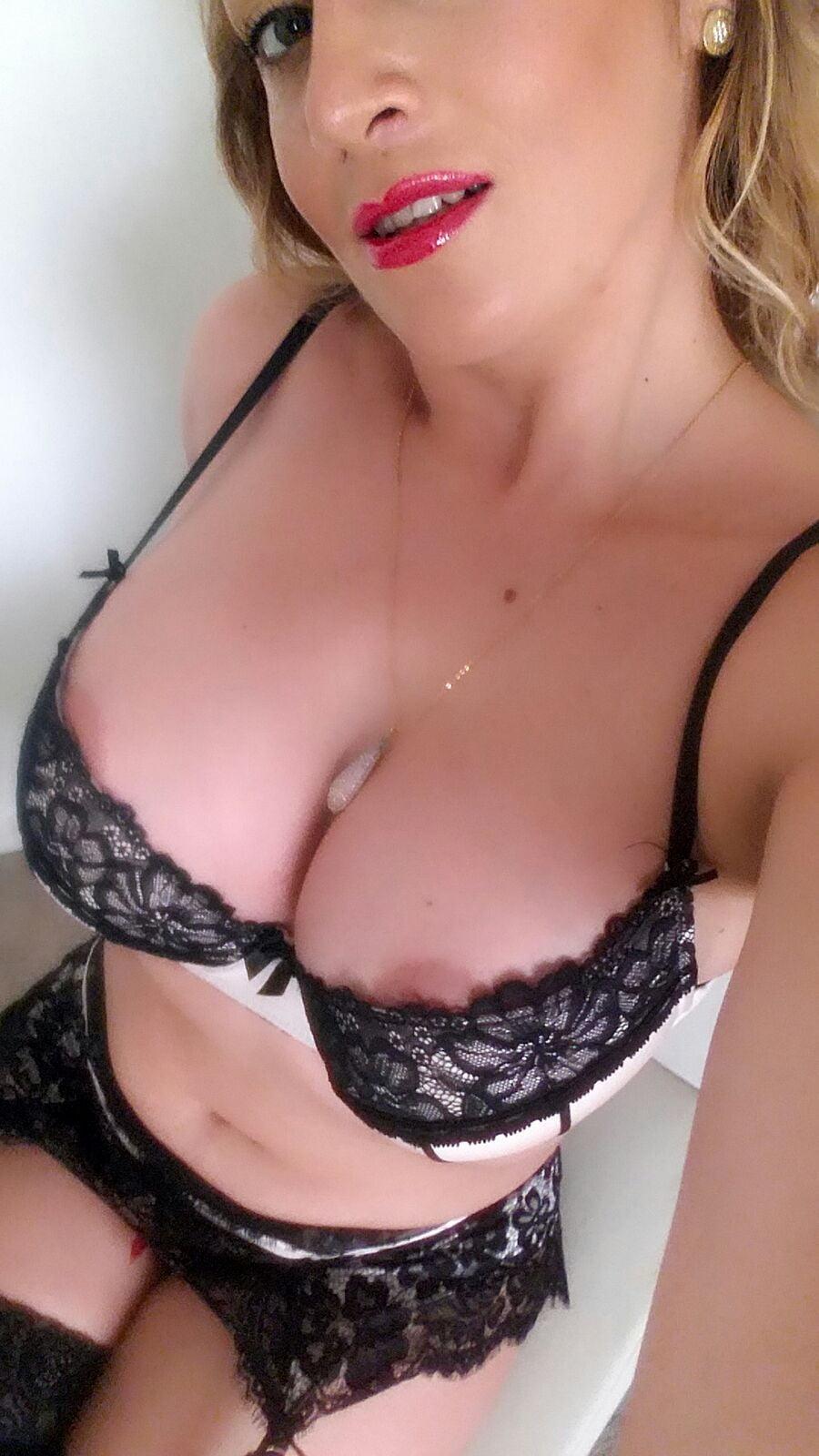 Hot sexy women near me-1899
