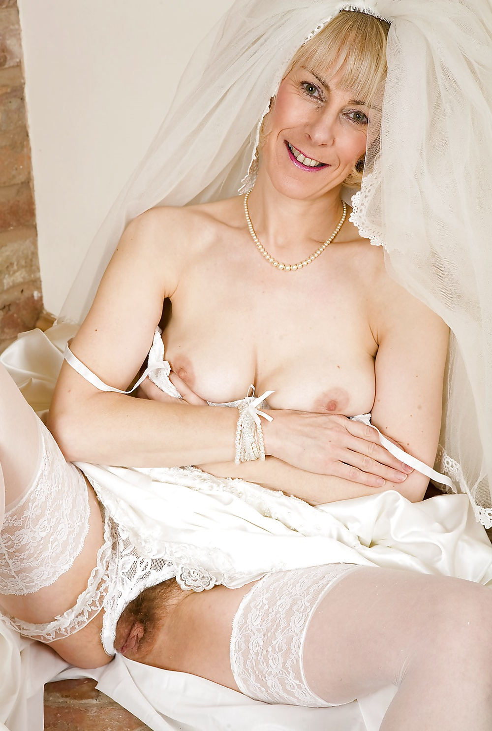 Sexy naked bride hairy pussy shower video dick