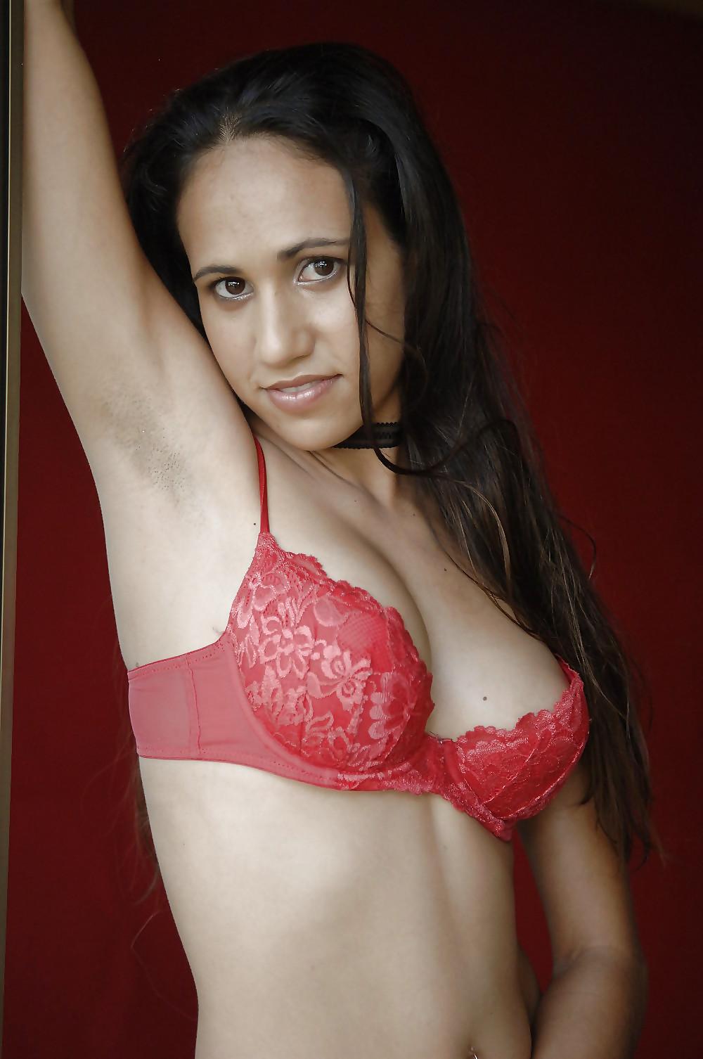 Beautiful naked arab girls