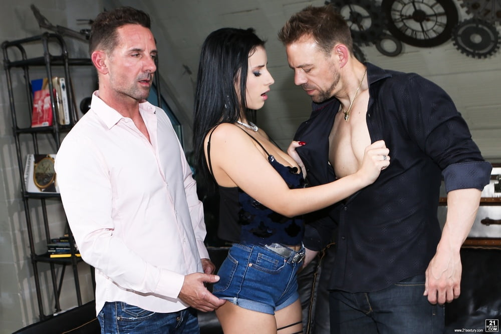 Footsiebabes alyssia kent licks jizz off her romanian toes - 2 part 10
