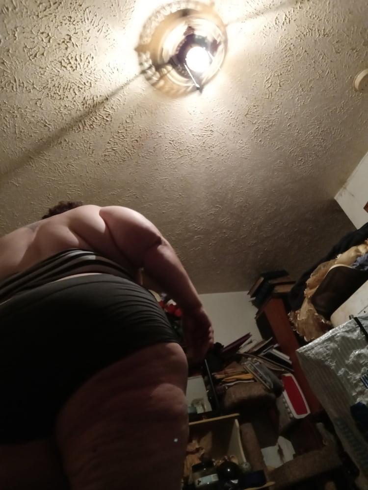 Whore - 15 Pics