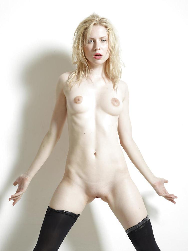 Порно бледные девушки фото