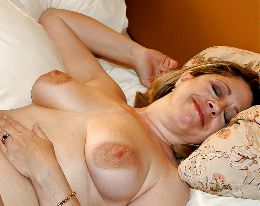Granny With Perfect Pierced Breasts Boobs Flash Pics, Mature Flashing Pics, Public Flashing Pics