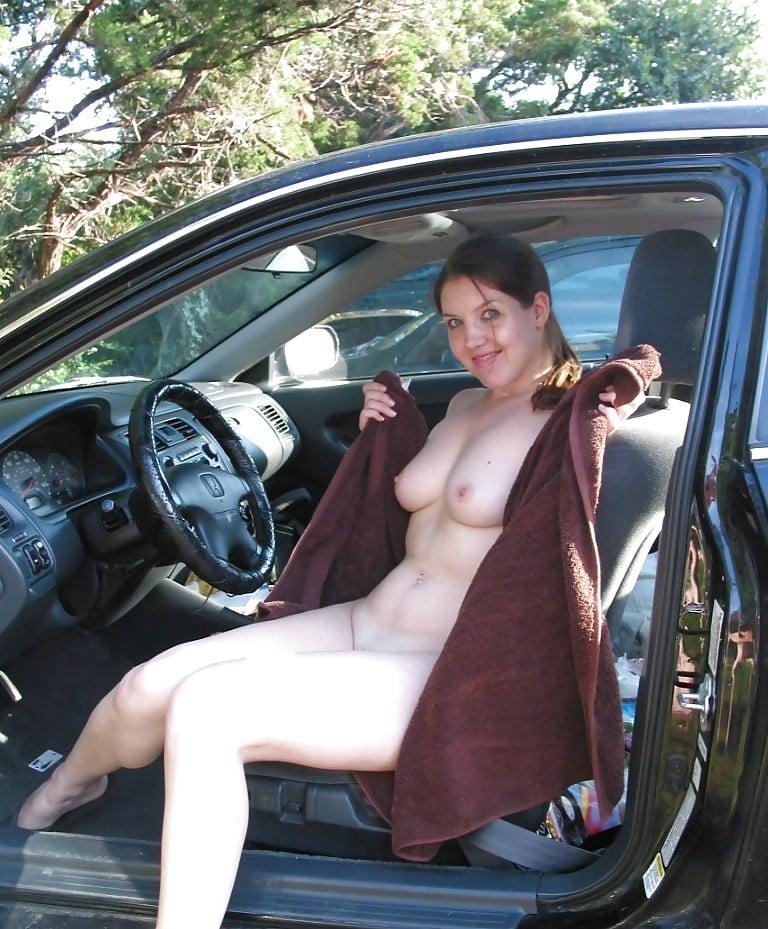 naked-milf-car