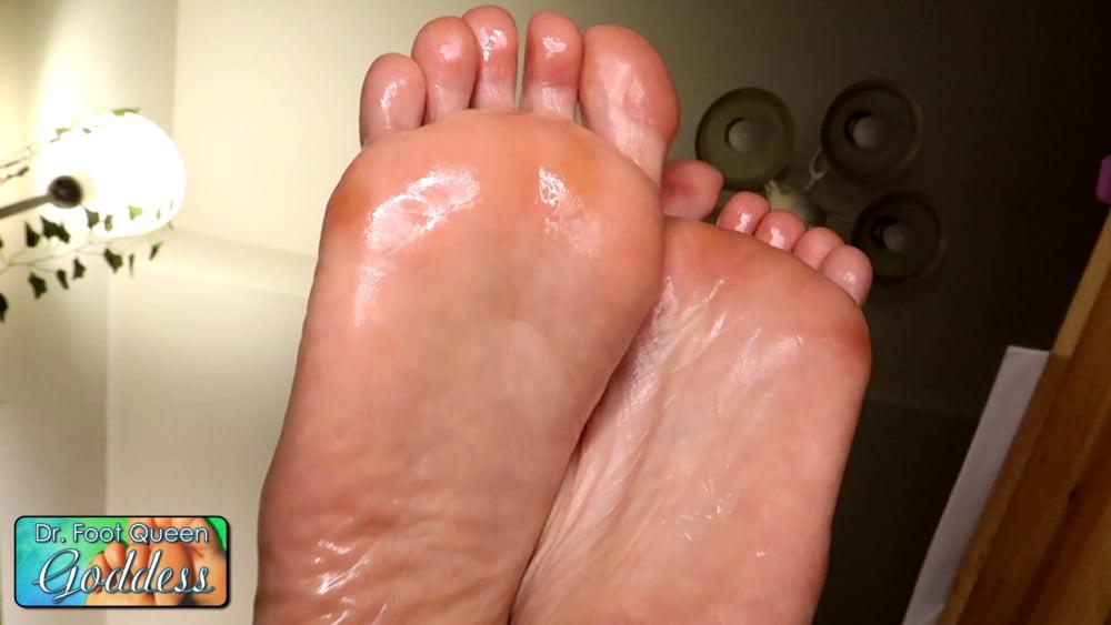 Wet Oil Sole Rub
