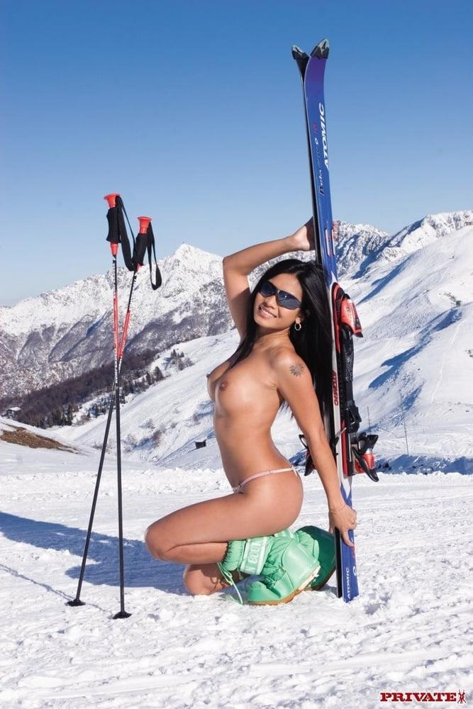 Skiing sexy