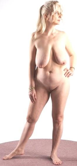 British mature women in stockings-3348