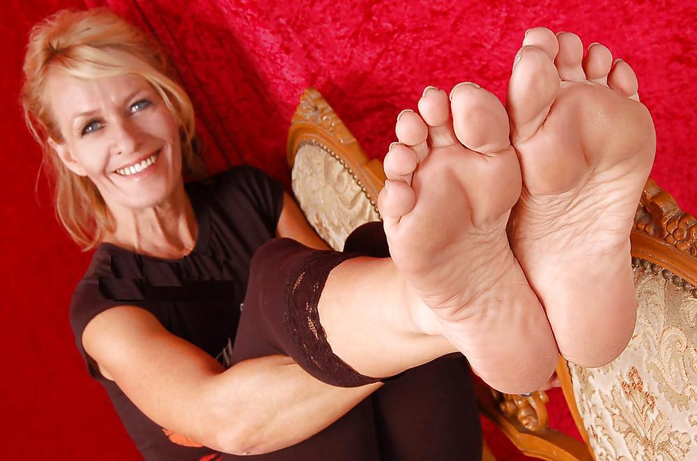 i-love-milfs-feet-twink-sex-defloration