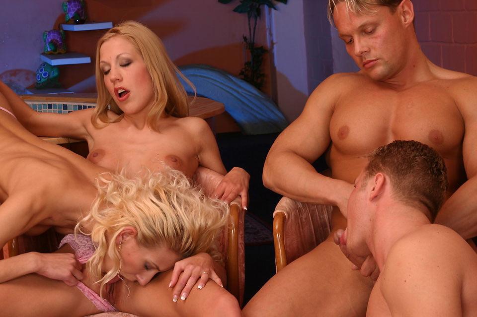 групповуха может лесбиянки и их мужья пятый вечер элен