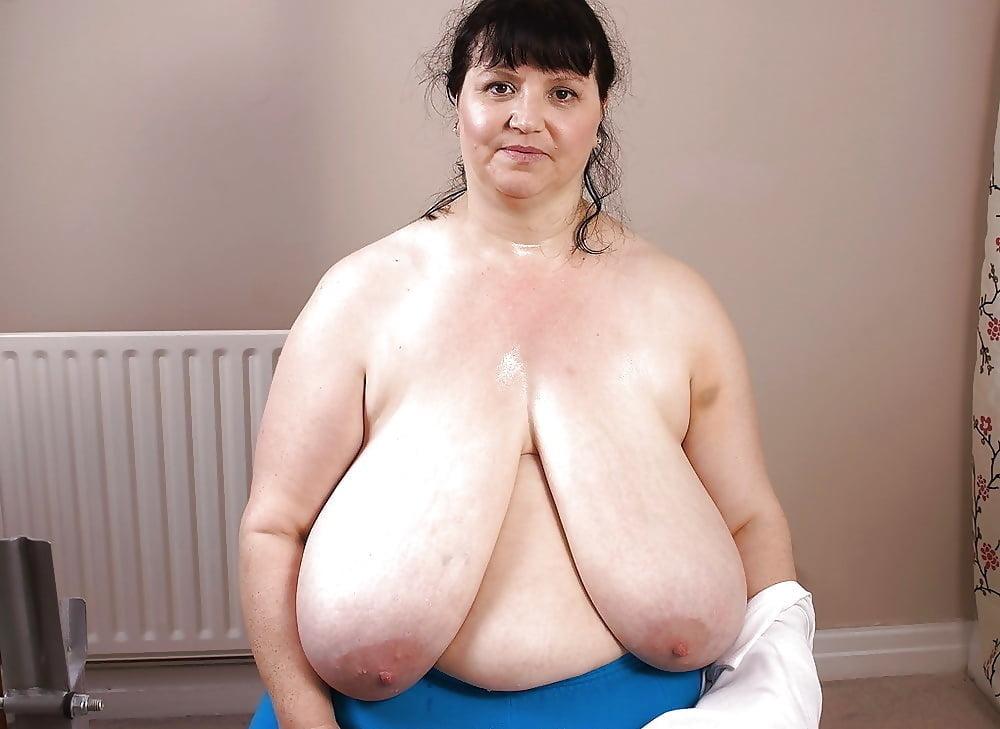 фото зрелых толстушек с обвисшими сиськами красивой