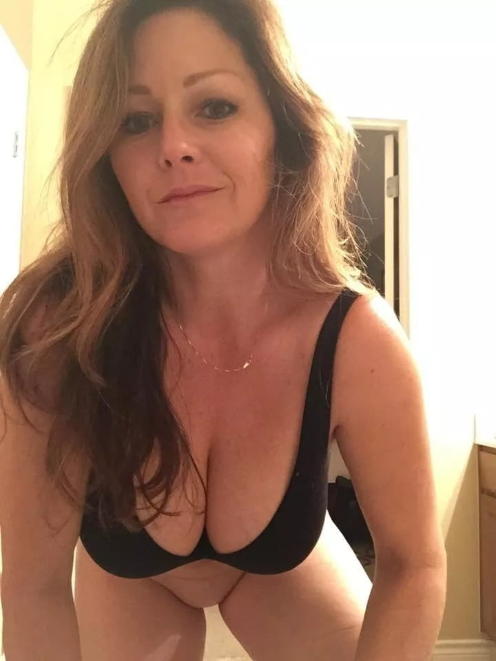 Pictures busty milf Huge Tits,