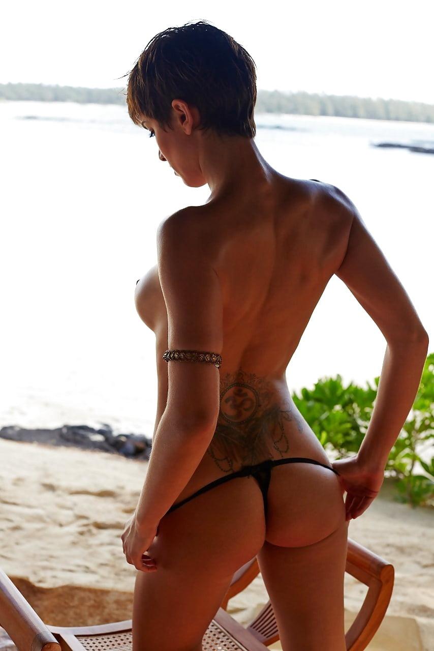 Isabelle nackt