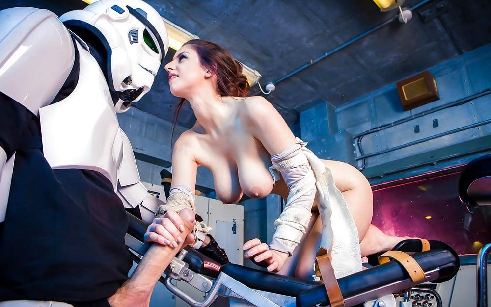 Porn starship trooper heinti, gwen nude in public pics