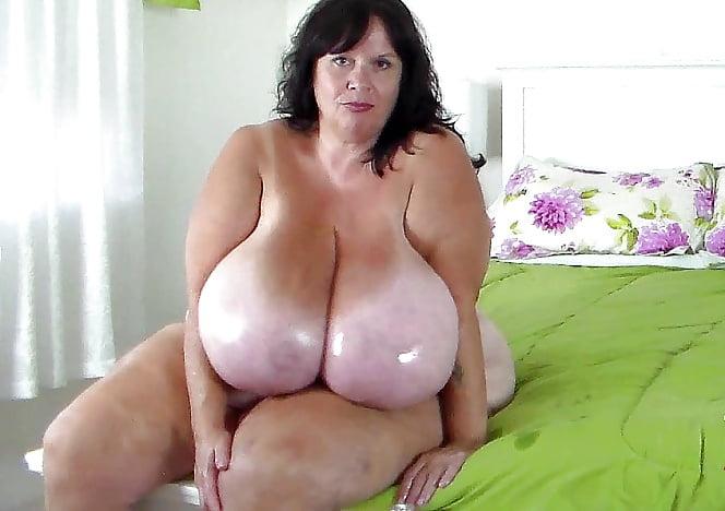 Big tits BBW solo dildo