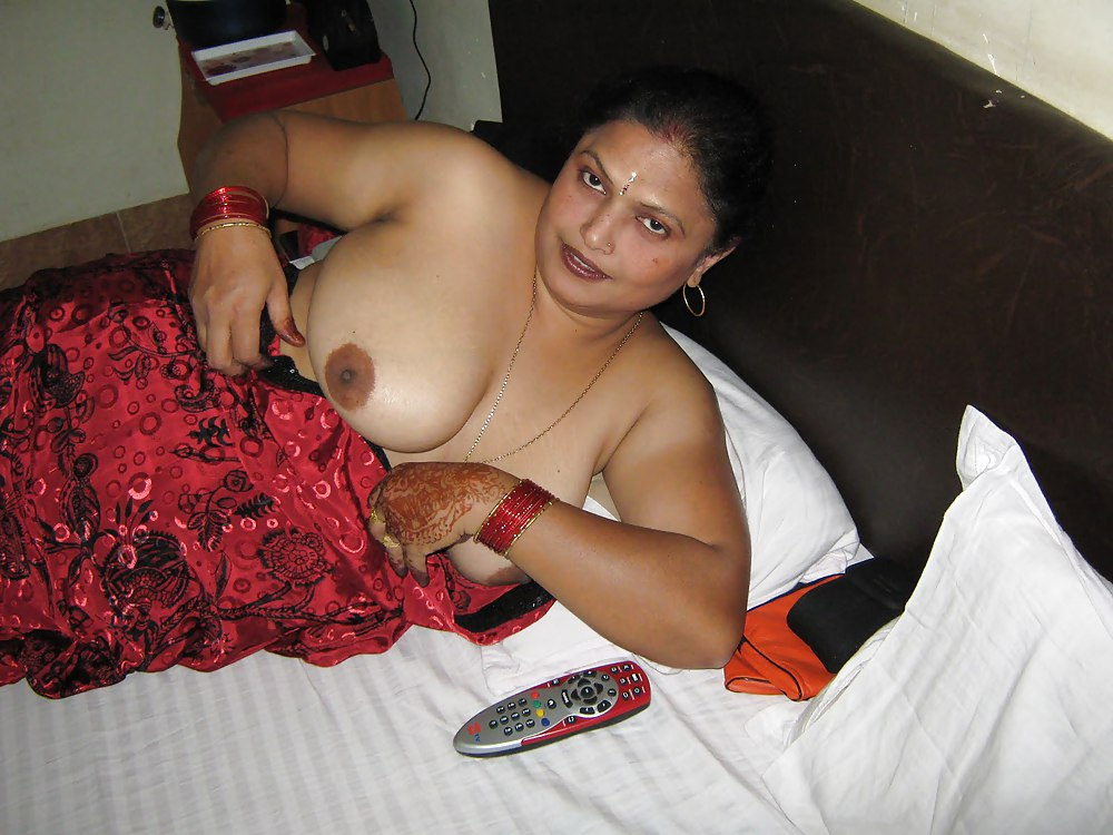 Nude indian moms in nangi