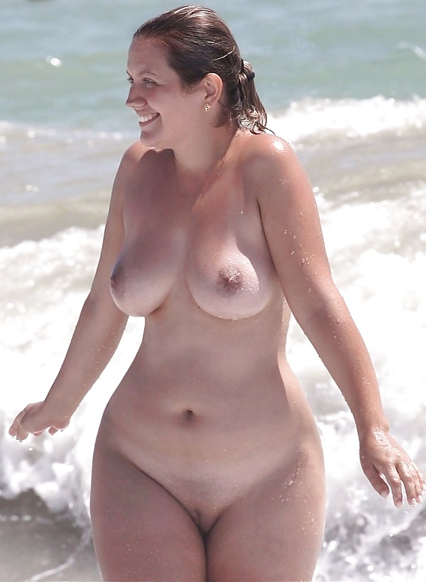 Mature tits beach